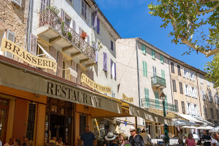 En Plein Air painting holiday, Cotignac Provence France May 2018 with Kevin McSherry