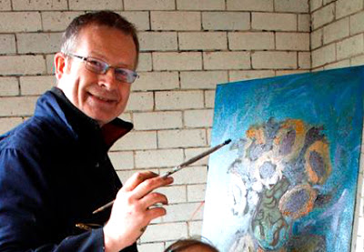 kevin@mcsherry paints sunflowers and teaches oils art classes to beginners in Dublin